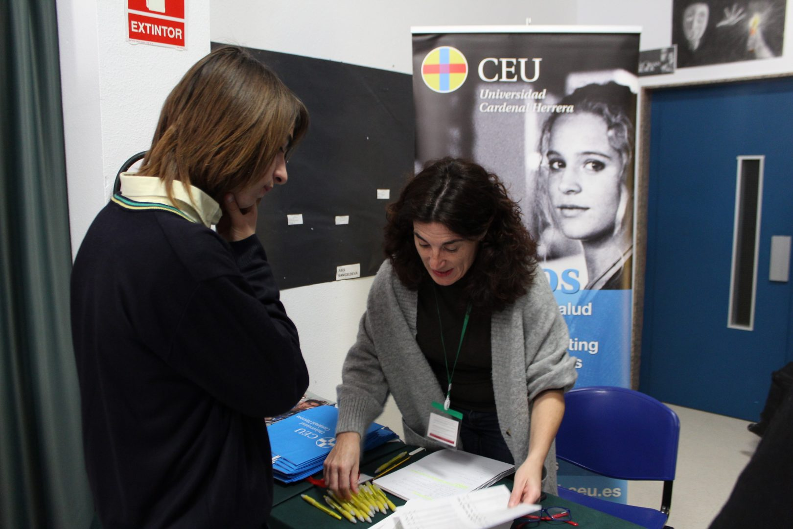 ELIS El Limonar International School Villamartin University Fair Feria Universidades (14)-min