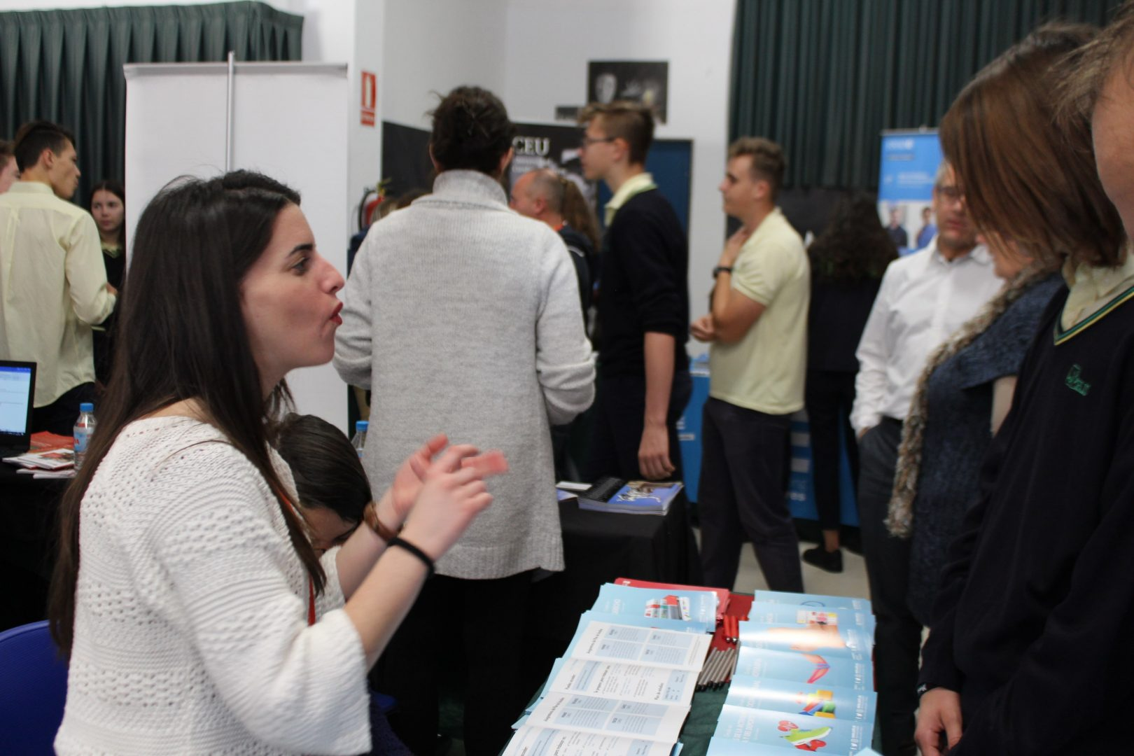 ELIS El Limonar International School Villamartin University Fair Feria Universidades (21)-min